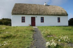 aran thatched cottage to let